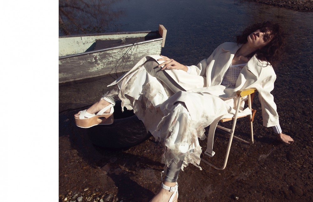 Trench / Blumarine Shirt / Ballantyne Trousers / Greta Gerardi Leggings / Roque Shoes / Palomitas by Paloma Barceló