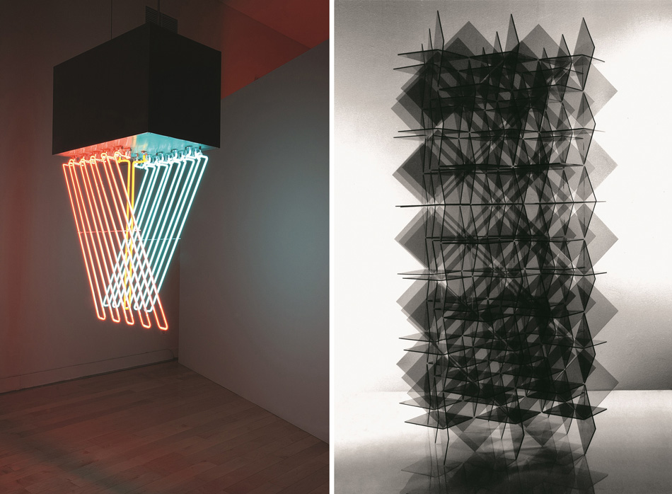 Left: Stephen Antonakos, Hanging Neon, 1962. Métal peint, néons. 152,5 × 112 × 53,5 cm. Collection particulière. © 1965 Stephen Antonakos Right: Francisco Sobrino. Transformation Instable Juxtaposition Superposition, 1963-2011. Plexiglas transparent teinté, 170 × 170 × 340cm. Archives de la famille Sobrino. © Archive Francisco Sobrino