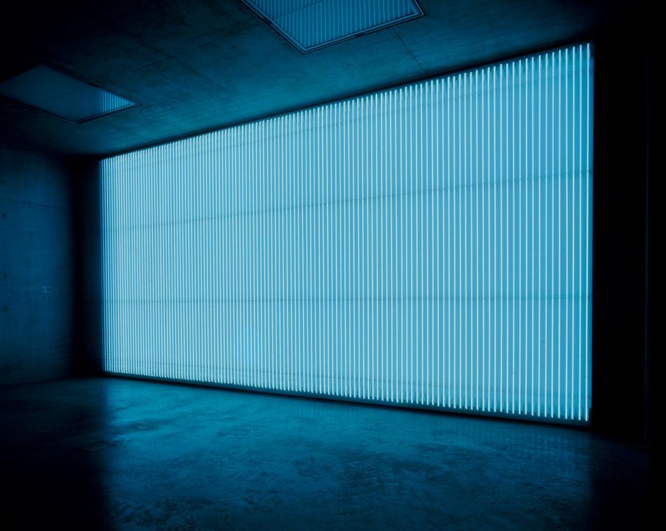 John Armleder Voltes III 2004 Néons blancs 350 x 600 cm Zurich, Galerie Andrea Caratsch © Galerie Andrea Caratsch, Zürich