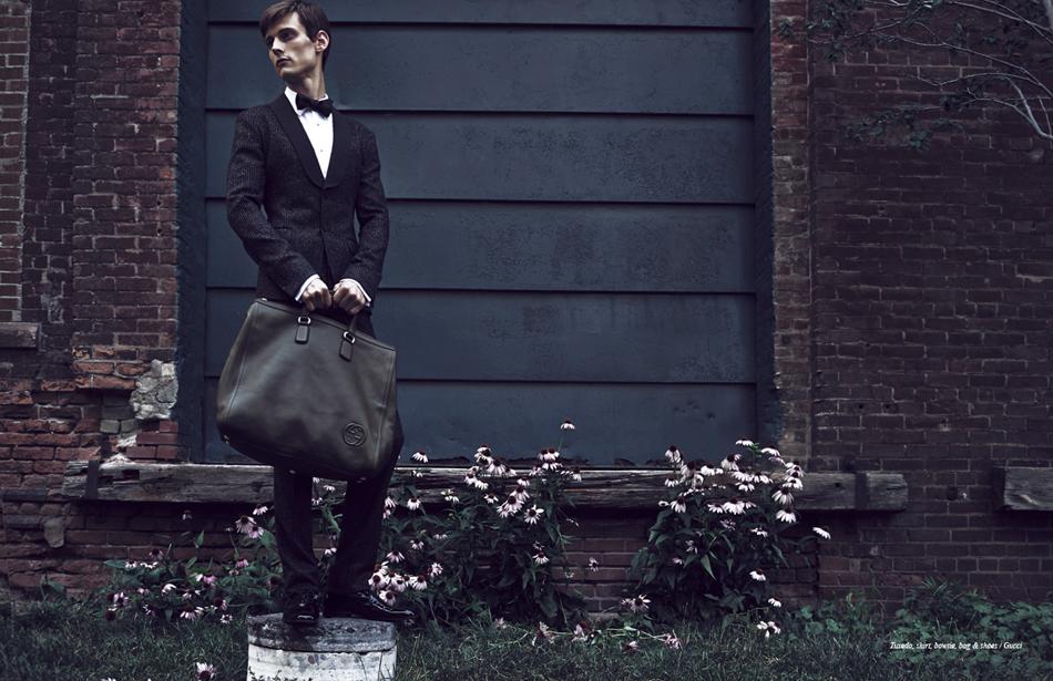 Tuxedo, shirt, bowtie, bag & shoes / Gucci