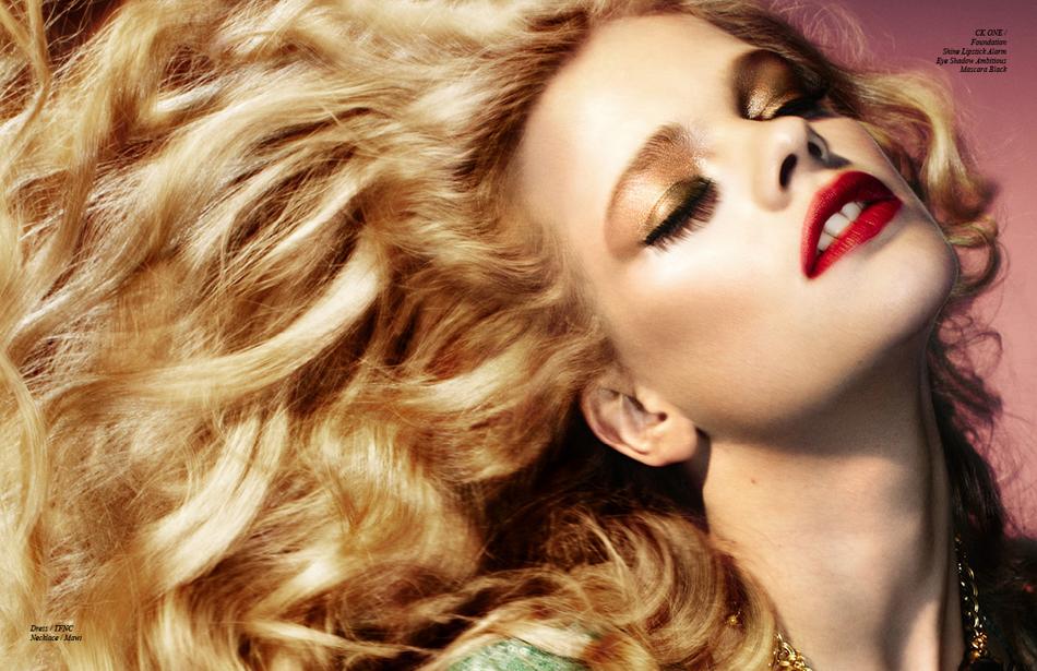 CK one / Foundation Shine Lipstick Alarm Eye Shadow Ambitious Mascara Black Dress / TFNC Necklace / Mawi
