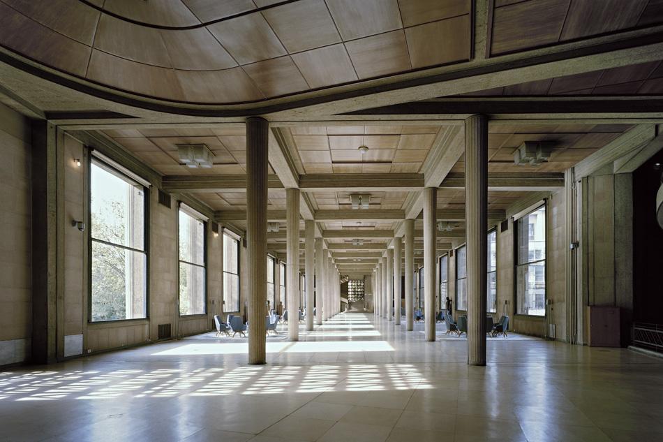 Palais d'Iéna, Paris ESEC headquarters Hypostyle hall © Benoît Fougeirol