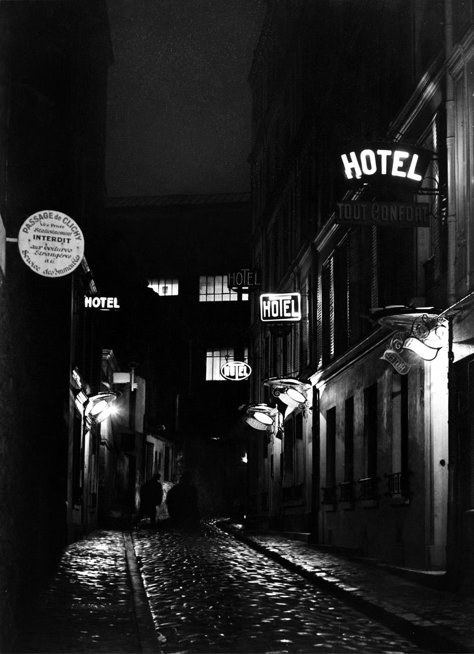 Boulevard De Clichy, 1932.