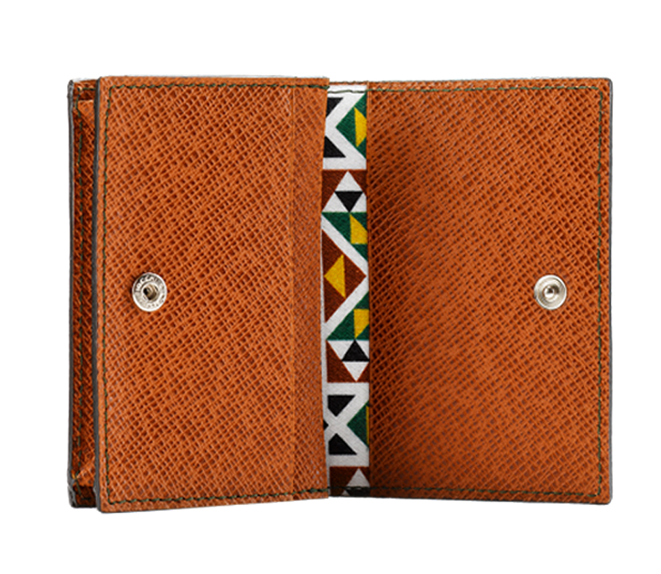 "The ""All You Need"" Cards' Holder from the ""Palatina"" collection is the perfect leather accessory to keep your credit cards and banknotes organised."