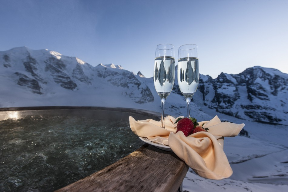 Sipping bubbles, bathing in bubbles in St. Moritz / Copyright All rights reserved by Engadin St. Moritz Mountains