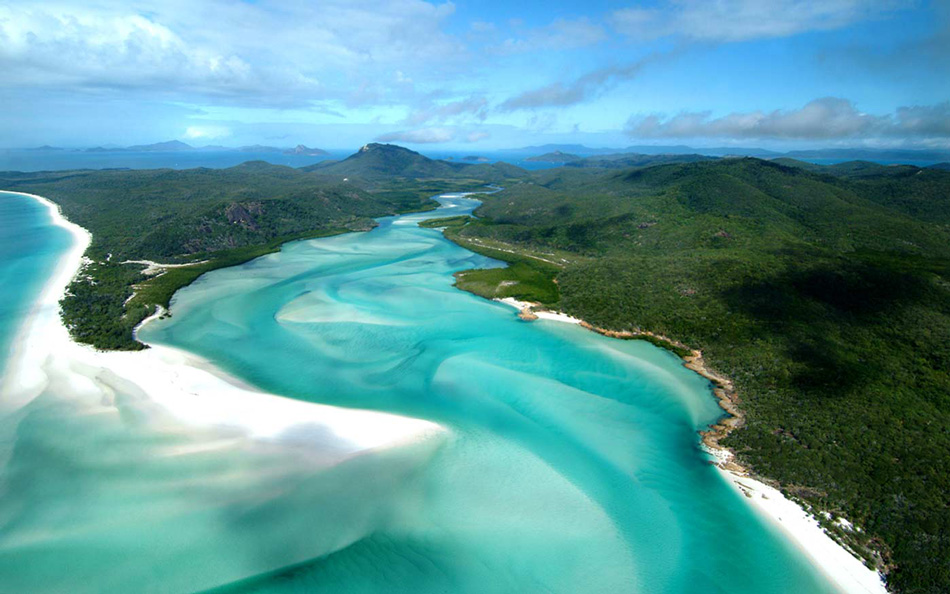 Take in the Whitsunday Islands / Hamilton Island Air
