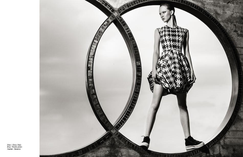 Dress / Daizy Shely  Ring / Voodoo jewels  Sneaker / Benetton