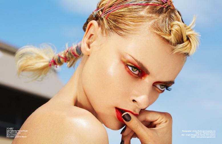 NARS Light Reflecting Pressed Powder Eye Paint in Iskandar Blush in Exhibit A Pure Matte Lipstick in Vesuvio