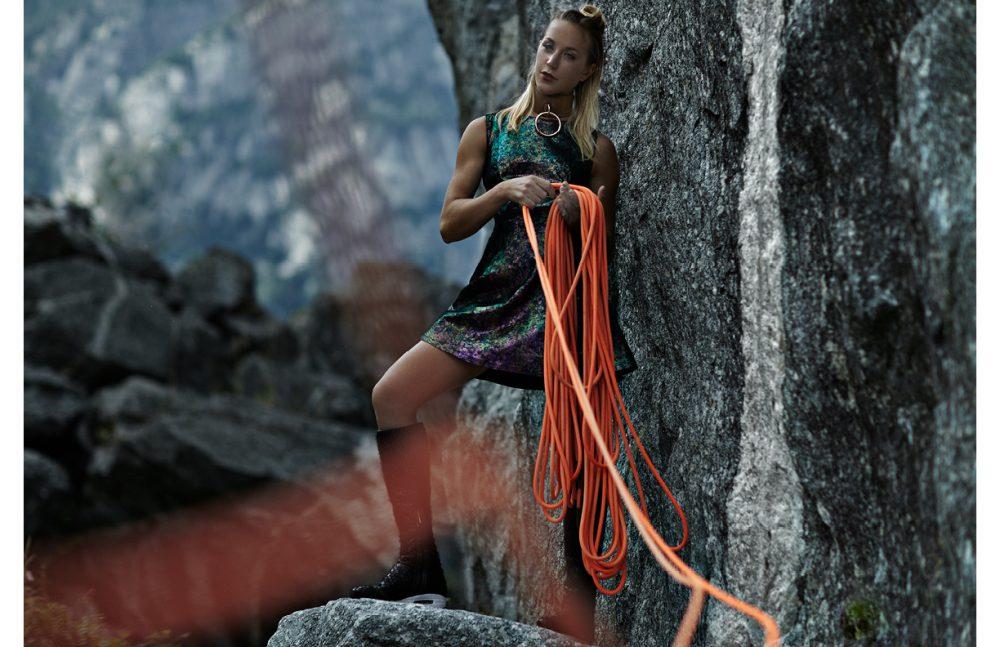 Necklace & collar / ABSIDEM  Dress / MARIO VALENTINO  Boots / Susana Traca