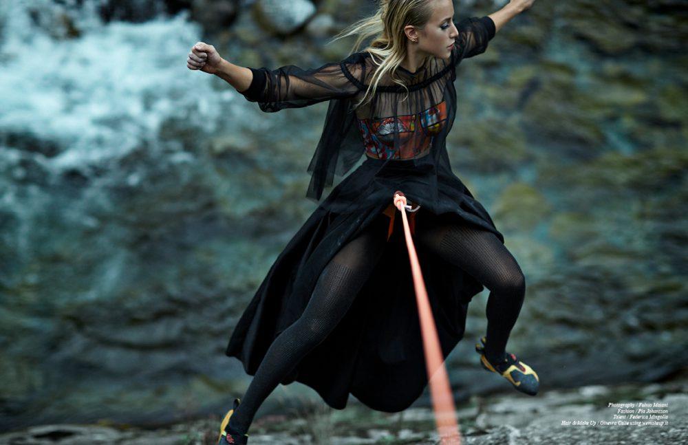 Blouse & skirt / Domenico Ciof   Bustier / Leitmotiv Stockings with strass (rhinestone) / Wolford Climbing gear / Petzl