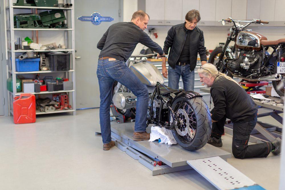 unveiling BMW's R18 | interview with edgar heinrich – Schön